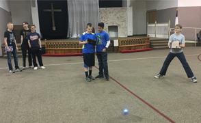 students controlling the sphero using their iPad